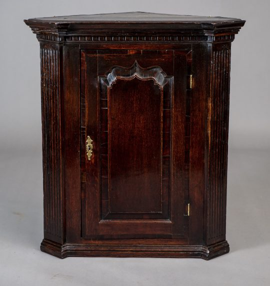 Oak corner cupboard Sold