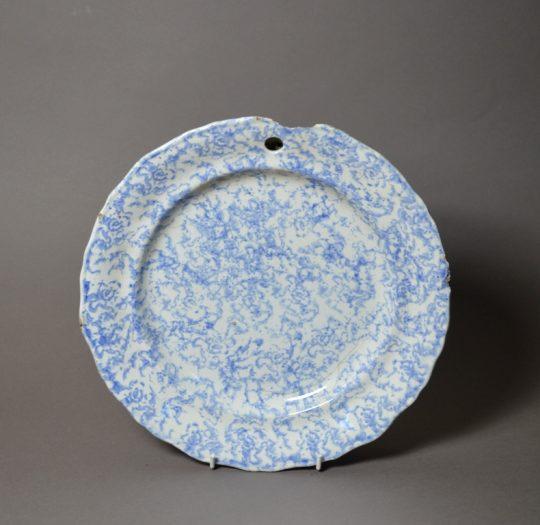 Spongeware plate warmer Sold
