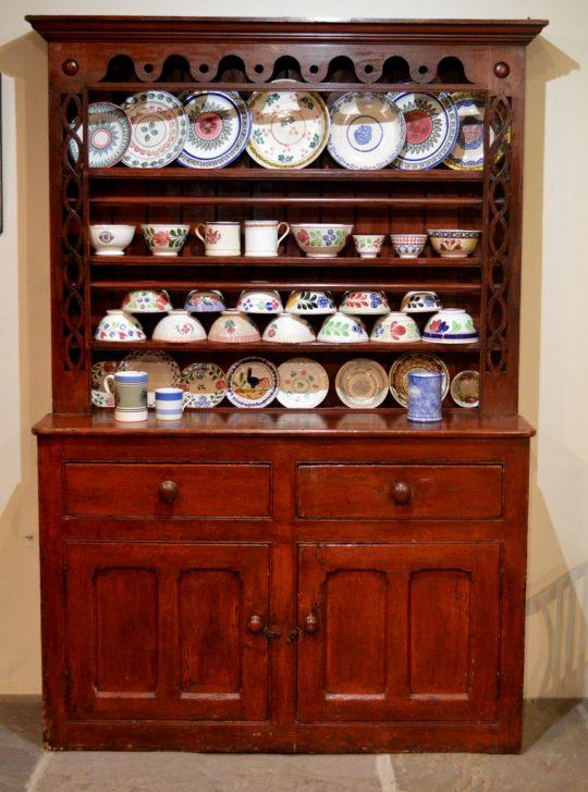 Irish Dresser / Dresel Wyddeleg