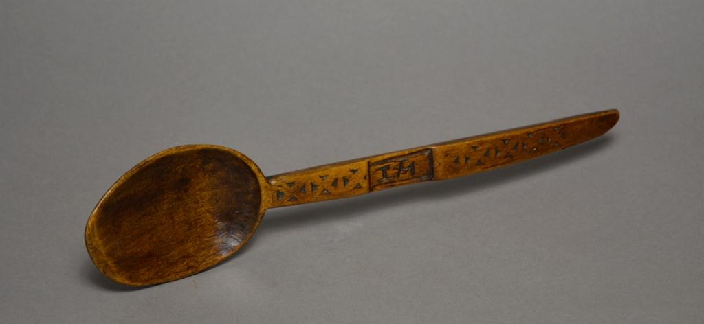 Tim bowen antiques carmarthenshire wales a chip carved