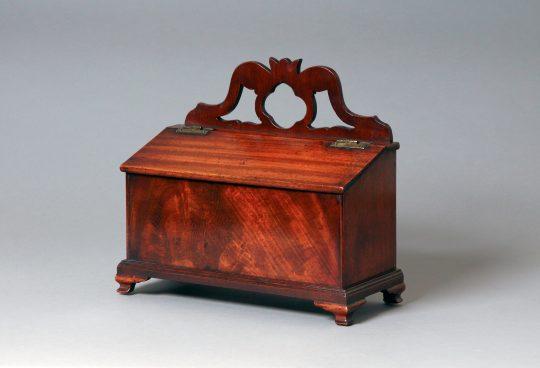 Mahogany candle box / Blwch canhwyllau Sold