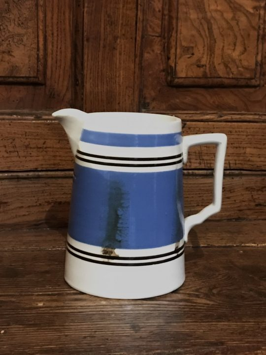 Mochaware jug (M)