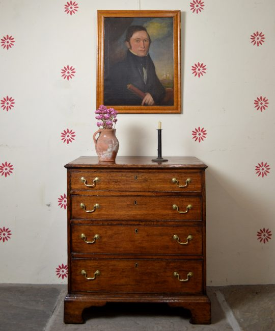 Small Georgian oak chest of drawers Sold