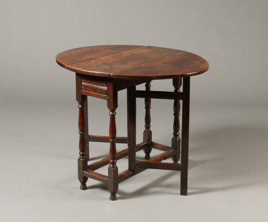 Small oak gate-leg table Sold