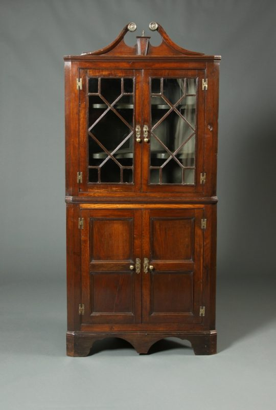 Welsh oak corner cupboard - Tim Bowen Antiques, Carmarthenshire, Wales 18th Century Georgian