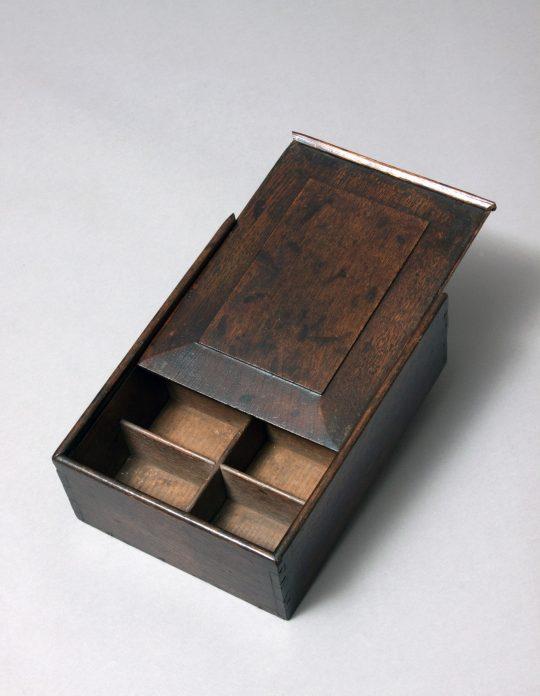Table top keepsake box