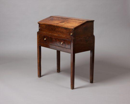 Small Welsh desk / Desg fechan Gymreig Sold