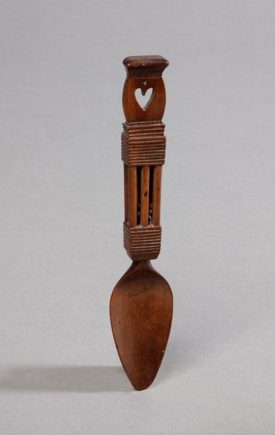 Fruitwood lovespoon / Llwy garu o bren ffrwythau Sold