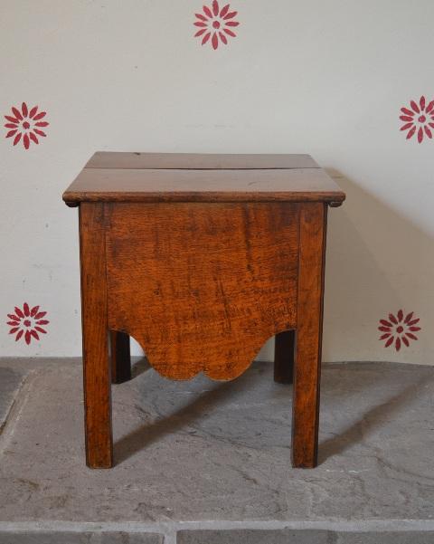 Oak close stool