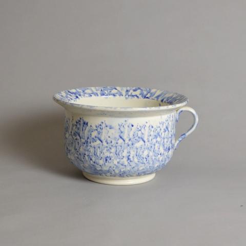 Sponge ware chamber pot