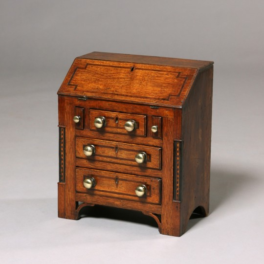 Miniature Welsh bureau