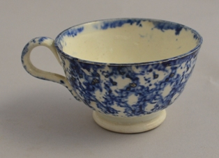 Miniature sponged tea cup