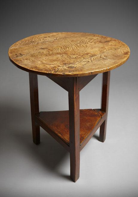 Elm cricket table / Bwrdd criced o lwyfen Sold
